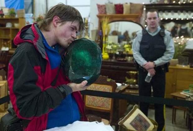 На Урале добыт килограммовый изумруд (9 фото)