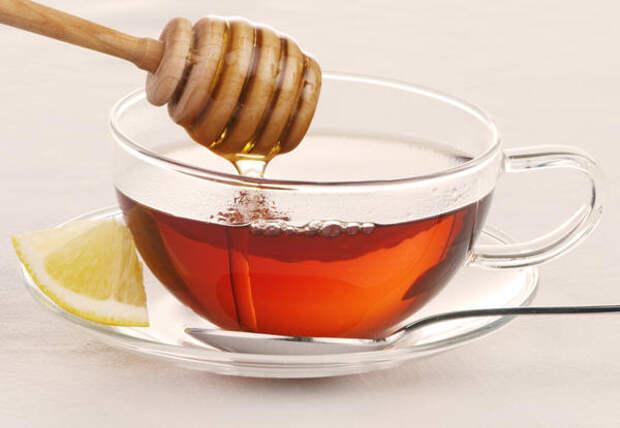 Согревающий напиток с медом предупредит простуду