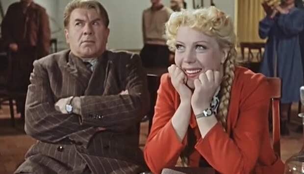 Тамара Носова в роли секретарши Тоси в «Карнавальной ночи» (1956). | Фото: pimg.mycdn.me.