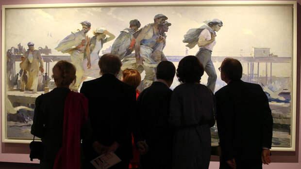 Более 40% россиян считают, что выставки посещают хорошо обеспеченные люди