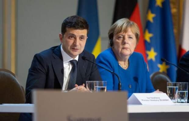 Немецкий политолог: уходя на пенсию, Меркель хочет «додавить» Зеленского