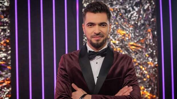 Ведущий шоу «Маска» Вячеслав Макаров обещает эмоциональный взрыв в полуфинале