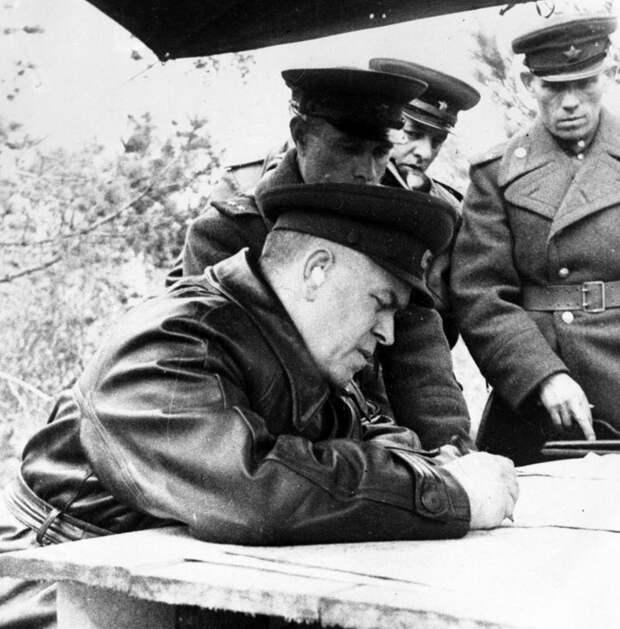 «Ржевская мясорубка» или спасение Москвы? За что Г.К. Жуков был удостоен маршальского звания