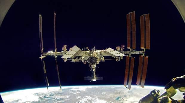 «Союз МС-17» покинул МКС с двумя россиянами и одной американкой