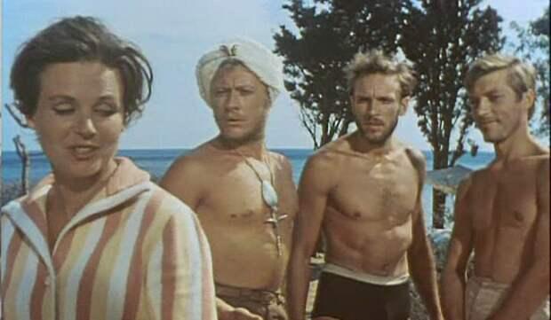 Вскрылись грязные подробности съемок легендарного фильма «Три плюс два»: пьянство и разврат