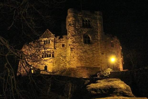 Тамуэртский замок в Стаффордшире, Англия история, мистика