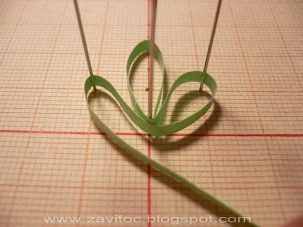 картинка как сделать ажурные цветы в технике квиллинг
