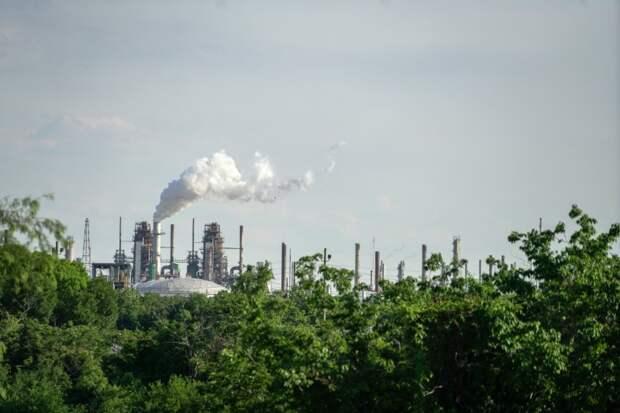 ЭКСКЛЮЗИВ - Эксперты советуют ОПЕК ожидать ограниченного роста добычи нефти в США -- источники