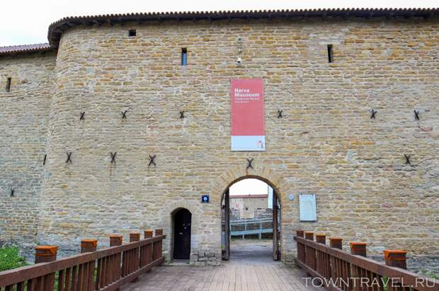 15 Вход в Нарвский музей