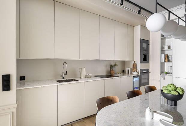 Современный дизайн с впечатляющим потолком в Стокгольме