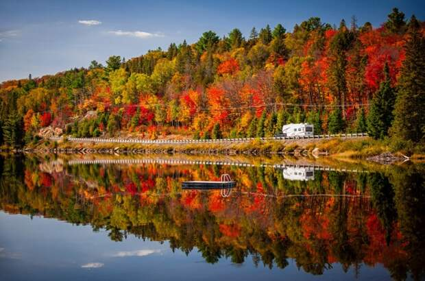 Озера в осеннем убранстве. Фотографии необыкновенной красоты