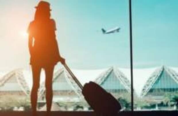 Стоимость перелетов по России и за границу снизилась