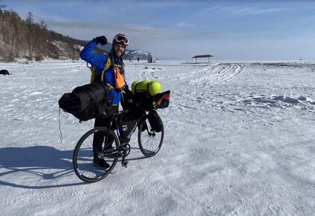 Байк и ледяное безмолвие: как тверской велосипедист в одиночку Байкал покорил