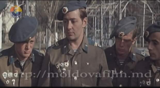 """Всеволод Абдулов в кинофильме """"Между небом и землей"""" 1975 год."""