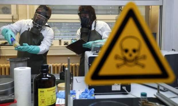 «США запатентовали коронавирус ещё в 2015»: эксперт по биооружию раскрыл главную тайну COVID-19