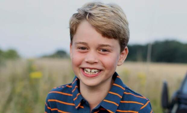 Кейт Миддлтон и принц Уильям представили новый портрет принца Джорджа к его дню рождения