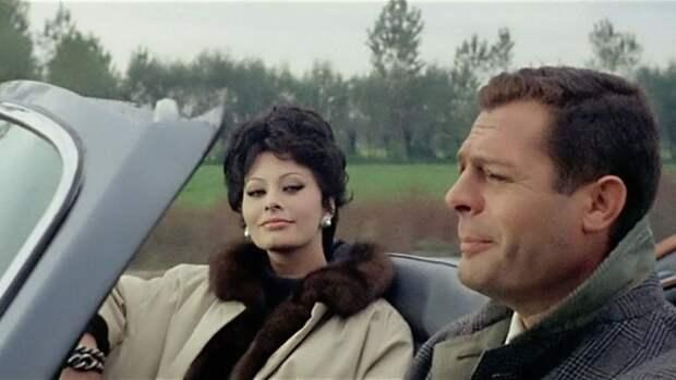 """Софи Лорен в фильме """"Вчера, сегодня, завтра"""", 1963 год."""