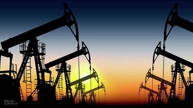 «Страны ОПЕК+ не будут спасать американцев»: Анпилогов рассказал о просчетах США по нефти