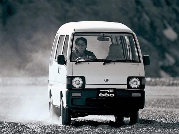 Столь сложные щи водителя имеют свое объяснение. Чел отжигает на компрессорной версии Самбара! jdm, subari, subaru sambar, авто, автомобили, кей-кар, япония