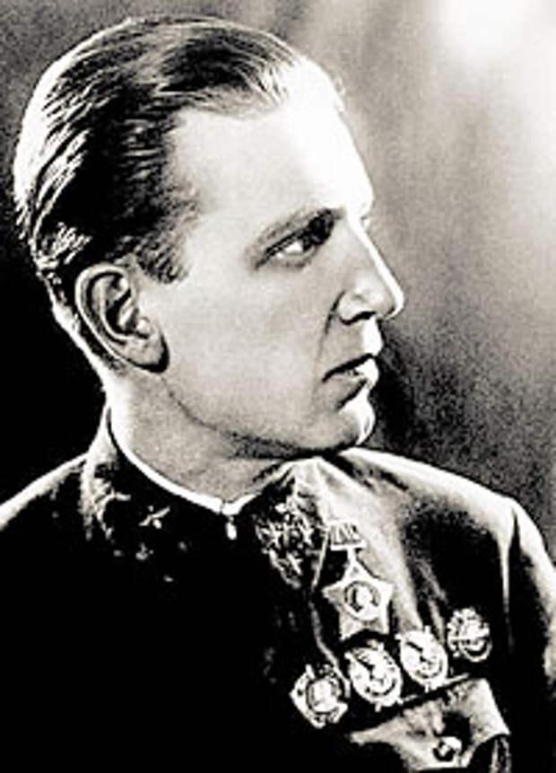 Александр Евгеньевич Голованов (1904-1975 годы)