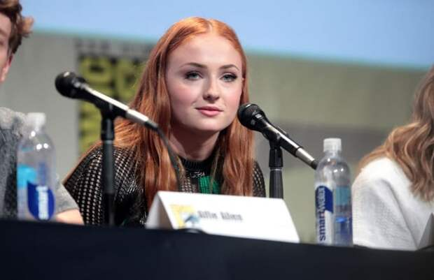Софи Тернер рассказала любопытные подробности о съемках сериала «Игры Престолов»