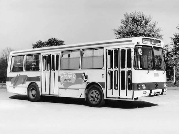 ЛАЗ-4969. Заводское фото ЛАЗ, ЛАЗ-4969, авто, автобус, кухня, олдтаймер, ретро техника, фудтрак
