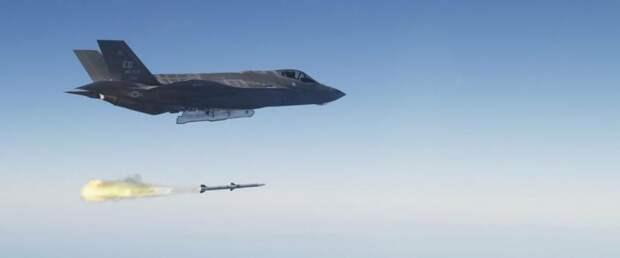 Новейший истребитель F-35 нанёс удар по ВВС США