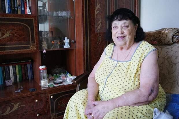 100 лет ставропольчанка Фрума Полевик тщательно следит за собой. Фото: «КП»-Ставрополь