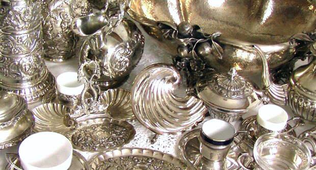 Пора ли продавать фамильное серебро?