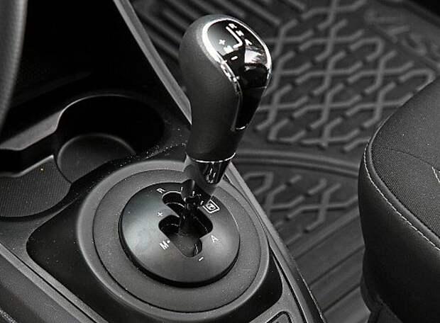 Lada Vesta из парка ЗР: разговор с роботом-тугодумом