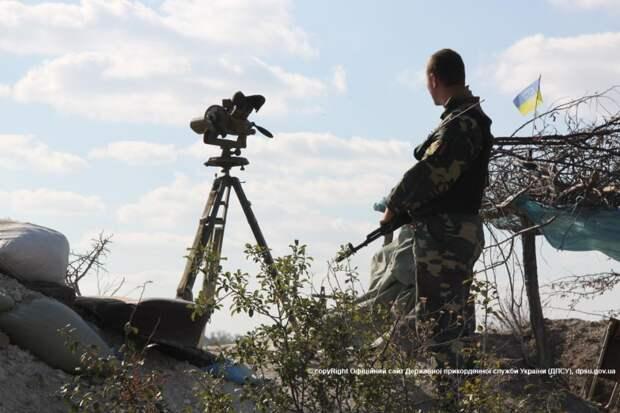 Украина по требованию Зеленского закрывает границу с Крымом