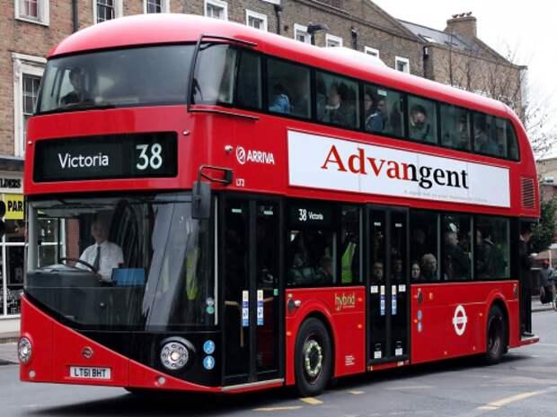 Двухэтажный автобус New Routemaster