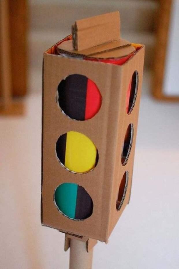 Игрушка, с помощью которой ребенка можно обучить правилам дорожного движения.