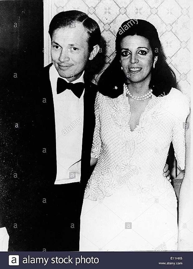 christina-onassis-at-party-with-husband-sergei-kauzov-E11HK6