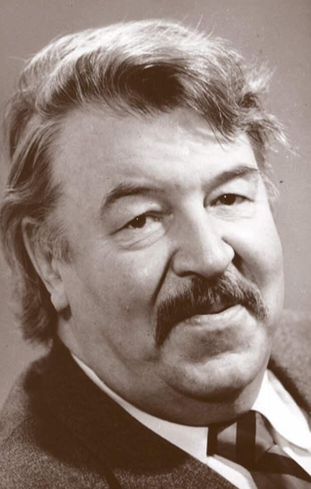 Самые яркие комедийные образы великолепного Романа Филиппова.