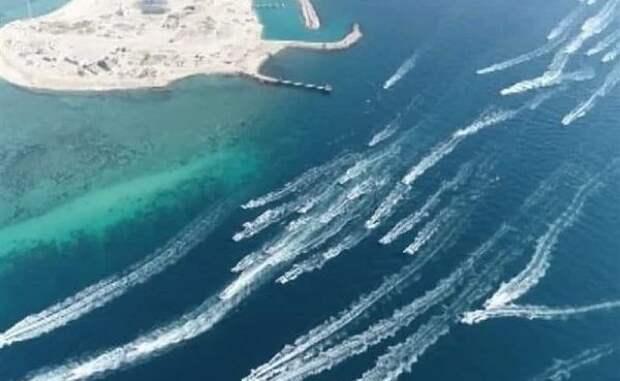 Иранская армада прошлась поПерсидскому заливу: парад снапоминанием США