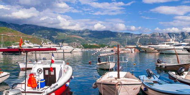 Власти Черногории надеются на туристический сезон благодаря вакцине «Спутник V»