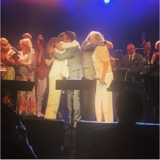 Группа АВВА воссоединилась на концерте в честь своего 50-летия