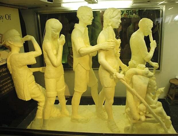 Скульптуры из сливочного масла ! Красота!