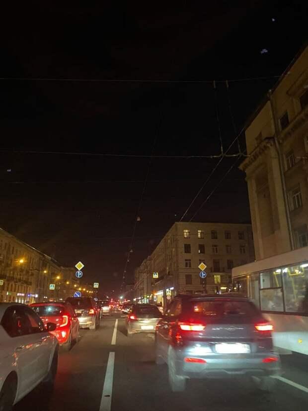 «Реальный фильм ужасов». Несколько улиц в Красногвардейском районе лишились света