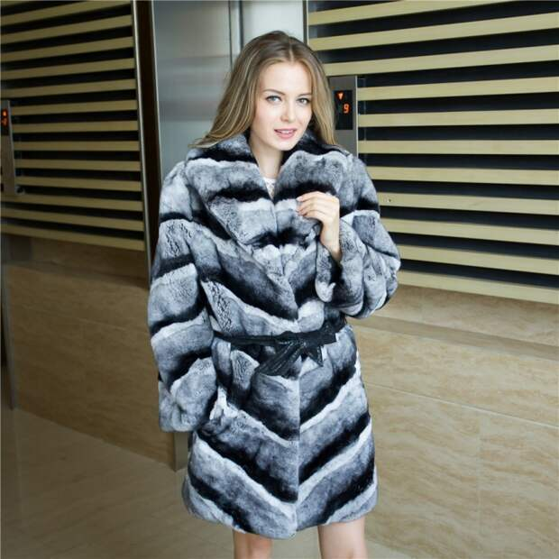 women-s-real-chinchilla-fur-coat-dyed