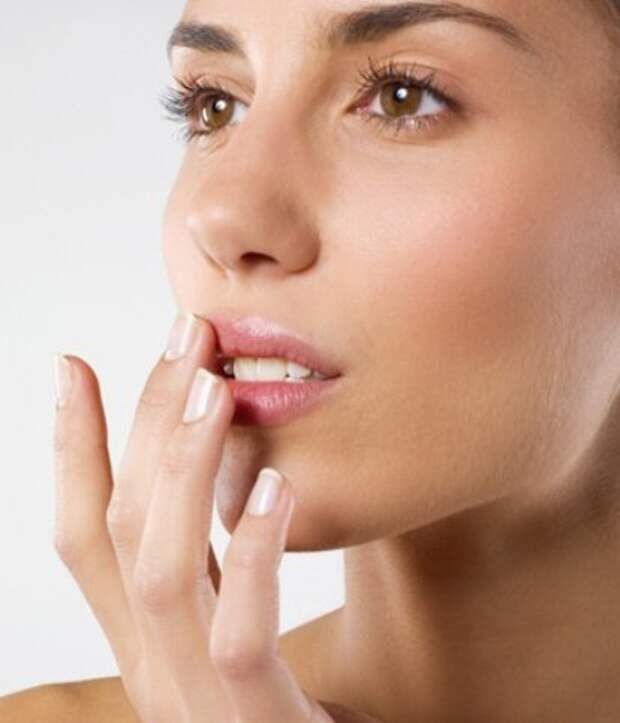 Профилактика и лечение обветренных губ