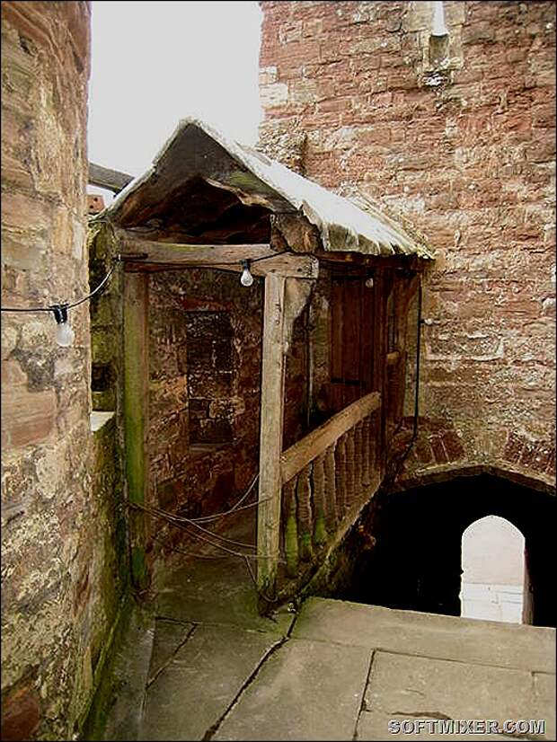 Edward_II's_cell_-_geograph.org.uk_-_585477