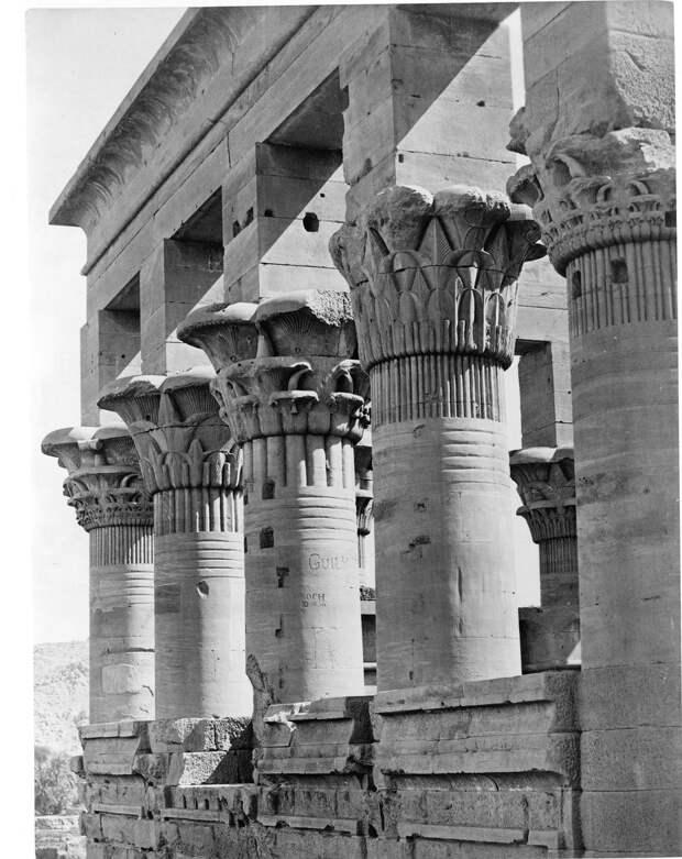 Филе. Колонны Киоска императора Траяна