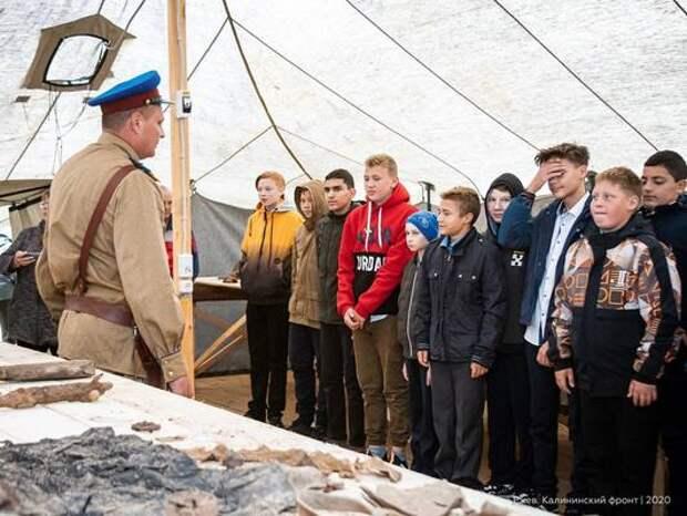 Школьники смогут приезжать на экскурсии в лагерь поисковиков подо Ржевом