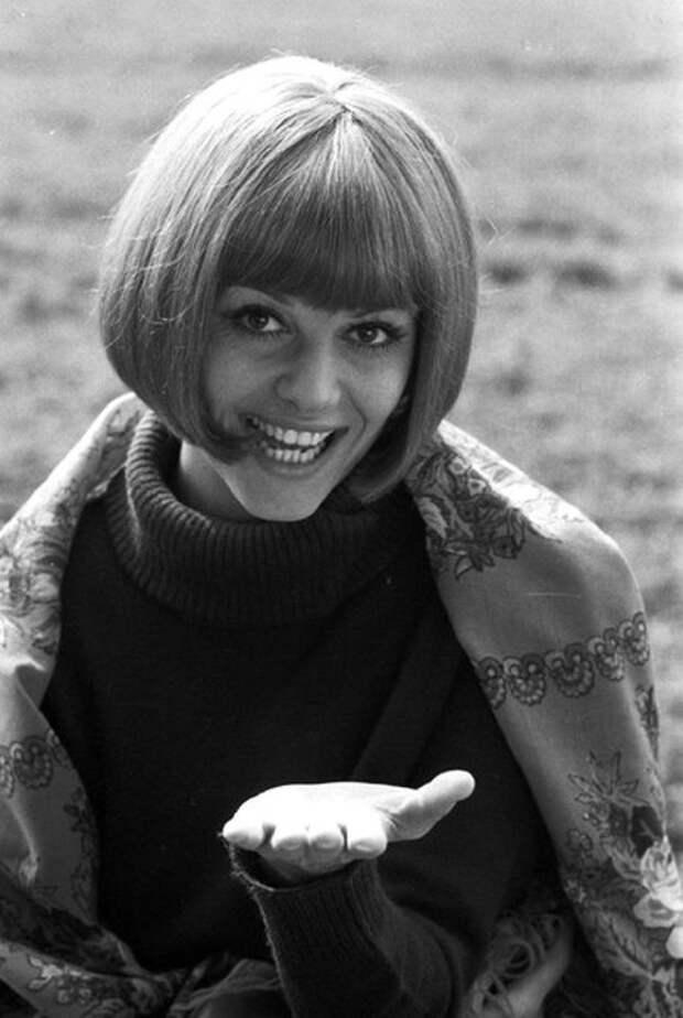 """Клаудиа Кардинале во время съемок фильма """"Красная палатка"""" 1969 год."""