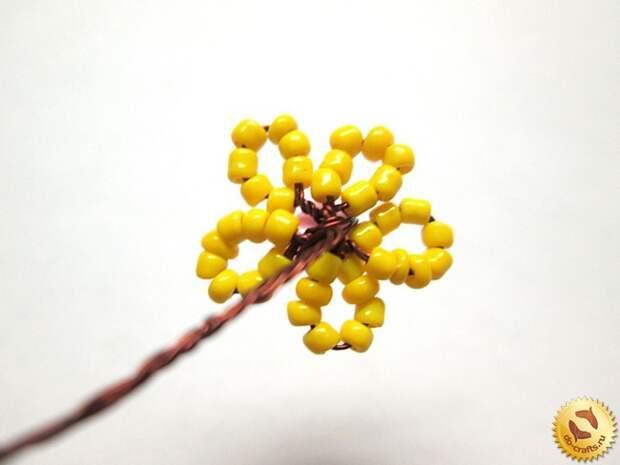 Лилии из бисера 18