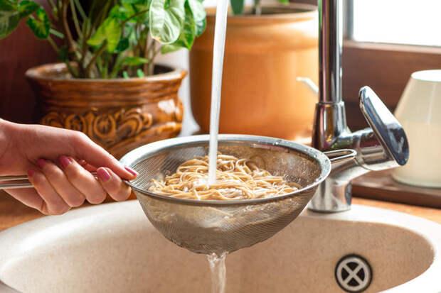 В каком случае макароны нужно промывать водой