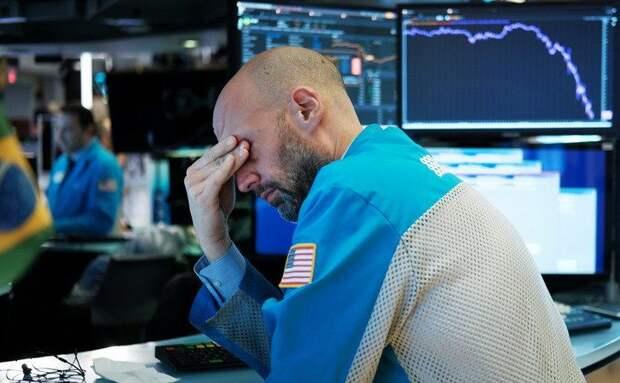Крупные фонды «сбросят» акции на $200 миллиардов. Это может обвалить рынок США