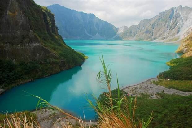 2. Озеро Пинатубо, Филиппины в мире, озеро, природа